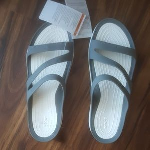 CROCS Sweetwater sandals SZ 9 NWT